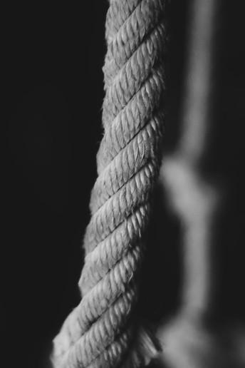 La cuerda inflexible