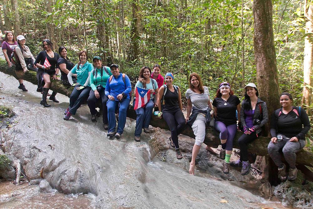 Mujeres con Visión en el Bosque Encantado