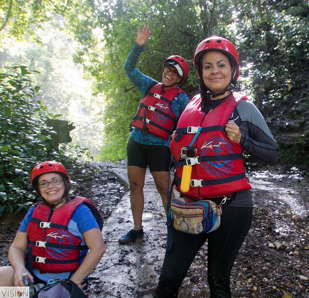 Aventura en el Unibón: Alexandra, Mariam y Tania