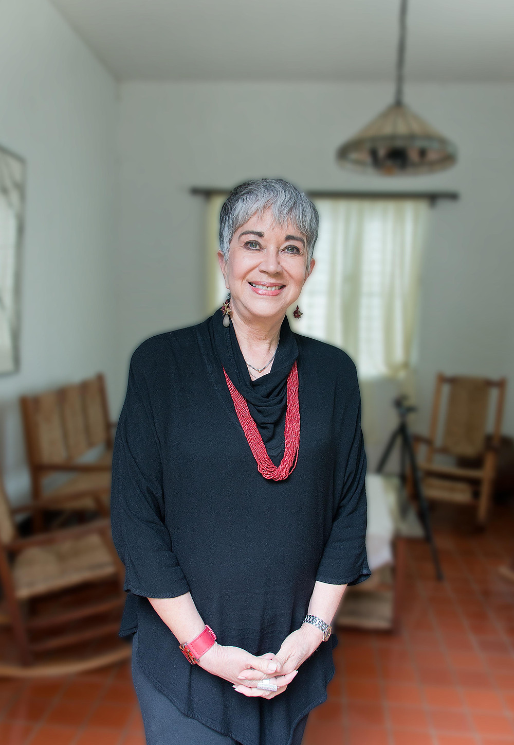 Dra. Margarita Ostolaza