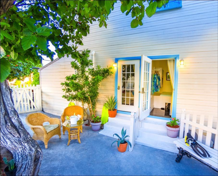garden-room-outside-area.jpg