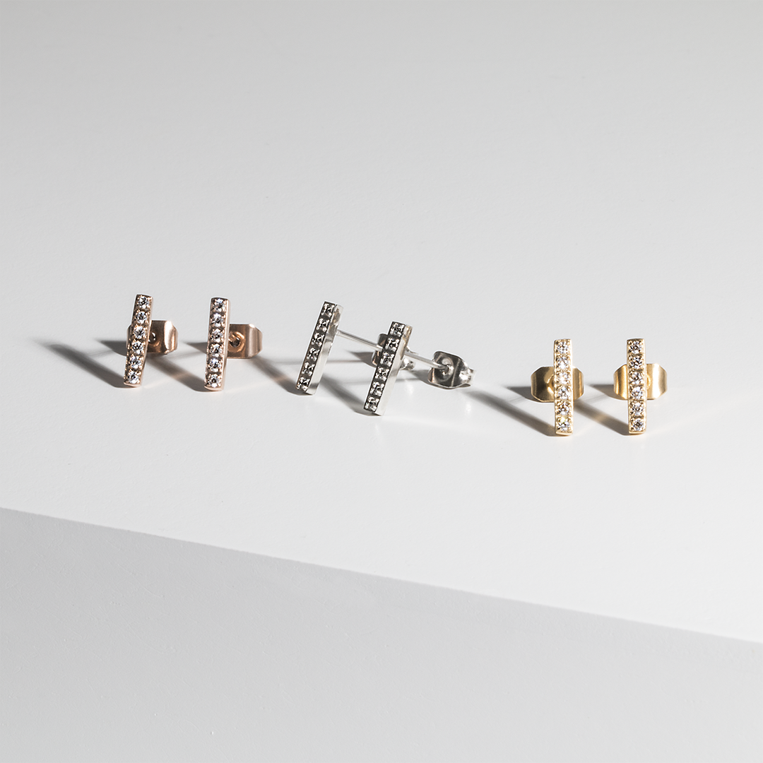 stainless-steel-earrings-bar-gold-rosegold-cz-stones-mia-T315E002