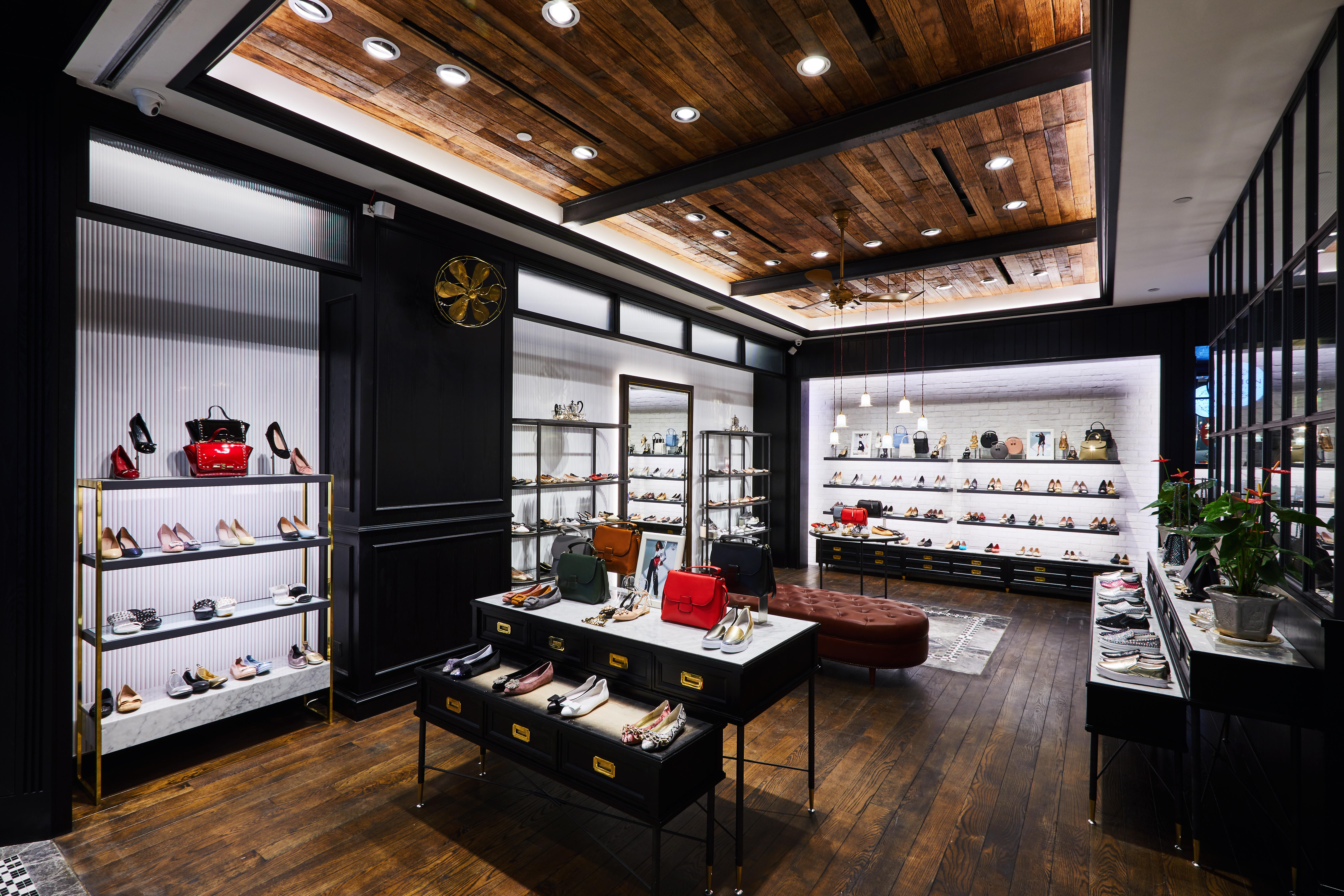 Stores | Pazzion