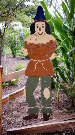 2016 Oz Garden Scarecrow in field