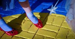 2016 Oz Fest ruby shoes and glenda on pinwheel