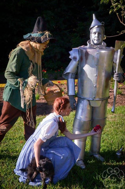 2016 Oz Fest Character on the yellow brick road