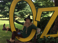 Scarecrow and Oz