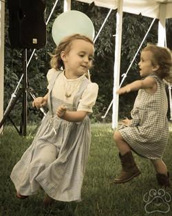 2016 Oz Fest Dorothys dancing