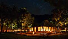 ほぼ手つかずのビーチとジャングルが残るインドネシア・モヨ島のイチオシのリゾートホテル「アマンワナ」の情報ページです。アマンワナの設備やサービスからアクセスのコツ、周辺の観光のポイント、地図、ハイライト動画まで幅広くご案内しています。詳細はこちらからご覧ください。
