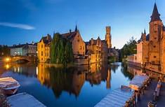中世の面影を残す水の都として知られるベルギーのイチオシの人気スポット「ブルージュ」の情報ページです。ブルージュの見どころ、ベストシーズン、アクセスのコツ、合わせて立ち寄りたい名所など観光のポイントから地図、ハイライト動画まで幅広くご案内しています。詳細はこちらからご覧ください。