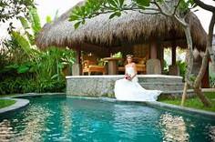 海に山に大満足のバリリゾート観光ができるインドネシア・バリ島タバナン地区のイチオシのリゾートホテル「ワカ・ガンガ」の情報ページです。ワカ・ガンガの設備やサービスからアクセスのコツ、周辺の観光のポイント、地図、ハイライト動画まで幅広くご案内しています。詳細はこちらからご覧ください。