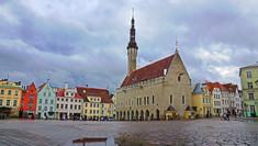 ヨーロッパでもっとも中世の面影の残る街として知られるエストニアのイチオシの人気スポット「タリン」の情報ページです。タリンの見どころ、ベストシーズン、アクセスのコツ、合わせて立ち寄りたい名所など観光のポイントから地図、ハイライト動画まで幅広くご案内しています。詳細はこちらからご覧ください。