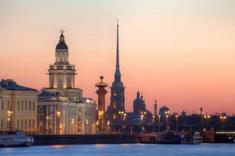 帝政ロシア最後の帝都として知られるロシア西部のイチオシの人気スポット「サンクトペテルブルク」の情報ページです。サンクトペテルブルクの見どころ、ベストシーズン、アクセスのコツ、合わせて立ち寄りたい名所など観光のポイントから地図、ハイライト動画まで幅広くご案内しています。詳細はこちらからご覧ください。