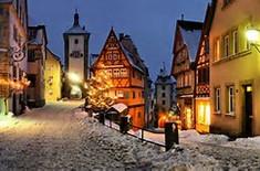 クリスマスマーケット「ライテレスマルクト」で知られるドイツのイチオシの人気スポット「ローテンブルク」の情報ページです。ローテンブルクの見どころ、ベストシーズン、アクセスのコツ、合わせて立ち寄りたい名所など観光のポイントから地図、ハイライト動画まで幅広くご案内しています。詳細はこちらからご覧ください。