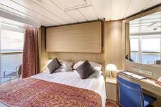 プライベートバルコニーでお客さまだけの特別な時間をお過ごいただける客室です。