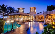 世界最大規模のリゾート観光都市として知られるドバイ首長国・ドバイのイチオシのリゾートホテル「ワン&オンリー・ロイヤル・ミラージュ」の情報ページです。ワン&オンリー・ロイヤル・ミラージュの設備やサービスからアクセスのコツ、周辺の観光のポイント、地図、ハイライト動画まで幅広くご案内しています。詳細はこちらからご覧ください。