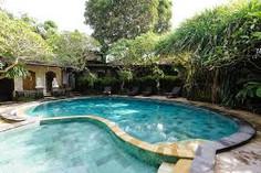 バリ島観光のハイライト「ウブド王宮」があるインドネシア・バリ島ウブド地区のイチオシのリゾートホテル「ハネムーン・ゲストハウス」の情報ページです。ハネムーン・ゲストハウスの設備やサービスからアクセスのコツ、周辺の観光のポイント、地図、ハイライト動画まで幅広くご案内しています。詳細はこちらからご覧ください。