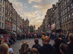 スコットランドのシンボルのひとつ「エディンバラ城」を中心に繰り広げられるスコットランド・エディンバラのイチオシのスコットランド文化の祭典「国際フェスティバル」の情報ページです。国際フェスティバルの見どころ、日程、楽しみ方、合わせて立ち寄りたい名所など観光のポイントから地図、ハイライト動画まで幅広くご案内しています。詳細はこちらからご覧ください。
