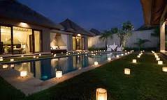 空港、ビーチ、ショッピングモールのすべてが近いインドネシア・バリ島スミニャック地区のイチオシのリゾートホテル「ヴィラ・ジェラミ・ラグジュアリー・ヴィラ&スパ」の情報ページです。ヴィラ・ジェラミ・ラグジュアリー・ヴィラ&スパの設備やサービスからアクセスのコツ、周辺の観光のポイント、地図、ハイライト動画まで幅広くご案内しています。詳細はこちらからご覧ください。