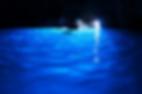 ナポリやローマを訪れたら絶対に訪れたいイタリア・カプリ島のイチオシの絶景スポット「青の洞窟」の情報ページです。青の洞窟の見どころ、ベストシーズン、アクセスのコツ、合わせて立ち寄りたい名所など観光のポイントから地図、ハイライト動画まで幅広くご案内しています。詳細はこちらからご覧ください。