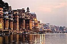 ヒンドゥー教の聖地として知られるインド北部のイチオシの人気スポット「バラナシ」の情報ページです。バラナシの見どころ、ベストシーズン、アクセスのコツ、合わせて立ち寄りたい名所など観光のポイントから地図、ハイライト動画まで幅広くご案内しています。詳細はこちらからご覧ください。