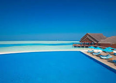 紺碧のインド洋を飾る26の珊瑚の環礁で知られる世界有数のリゾート地、モルディブ・南マーレ環礁のイチオシのリゾートホテル「アナンタラ ディグ リゾート&スパ」の情報ページです。アナンタラ ディグ リゾート&スパの設備やサービスからアクセスのコツ、周辺の観光のポイント、地図、ハイライト動画まで幅広くご案内しています。詳細はこちらからご覧ください。