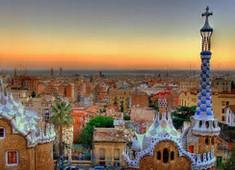 「サグラダファミリア」で知られるスペイン・カタルーニャ地方のイチオシの人気スポット「バルセロナ」の情報ページです。バルセロナの見どころ、ベストシーズン、アクセスのコツ、合わせて立ち寄りたい名所など観光のポイントから地図、ハイライト動画まで幅広くご案内しています。詳細はこちらからご覧ください。