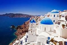 青い海と白い街並みの美しいコントラストで知られるエーゲ海南部のイチオシの人気スポット「サントリーニ島」の情報ページです。サントリーニ島の見どころ、ベストシーズン、アクセスのコツ、合わせて立ち寄りたい名所など観光のポイントから地図、ハイライト動画まで幅広くご案内しています。詳細はこちらからご覧ください。