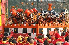 南イタリアの名産品オレンジが飛び交うイタリア・イヴレアのイチオシのお祭り「オレンジ祭り」の情報ページです。オレンジ祭りの見どころ、日程、楽しみ方、合わせて立ち寄りたい名所など観光のポイントから地図、ハイライト動画まで幅広くご案内しています。詳細はこちらからご覧ください。