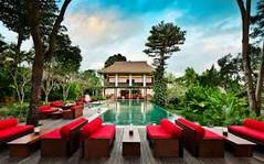 バリ島観光のハイライト「ウブド王宮」があるインドネシア・バリ島ウブド地区のイチオシのリゾートホテル「ウマ・ウブド」の情報ページです。ウマ・ウブドの設備やサービスからアクセスのコツ、周辺の観光のポイント、地図、ハイライト動画まで幅広くご案内しています。詳細はこちらからご覧ください。