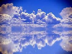 「天空の鏡」として知られるボリビア・西部のイチオシの絶景スポット「ウユニ塩湖」の情報ページです。ウユニ塩湖の見どころ、ベストシーズン、アクセスのコツ、合わせて立ち寄りたい名所など観光のポイントから地図、ハイライト動画まで幅広くご案内しています。詳細はこちらからご覧ください。