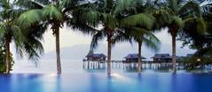 手つかずの自然が残るプライベートリゾートアイランドとして知られるマレーシア・パンコールラウト島のイチオシのリゾートホテル「パンコール・ラウト・リゾート」の情報ページです。パンコール・ラウト・リゾートの設備やサービスからアクセスのコツ、周辺の観光のポイント、地図、ハイライト動画まで幅広くご案内しています。詳細はこちらからご覧ください。