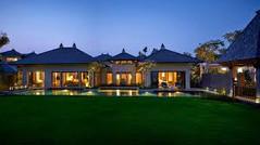 バリ島屈指のビーチリゾートのひとつとして知られるインドネシア・バリ島ジンバラン地区のイチオシのリゾートホテル「ザ・リッツカールトン・バリ、リゾート&スパ クリフ・ヴィラ」の情報ページです。ザ・リッツカールトン・バリ、リゾート&スパ クリフ・ヴィラの設備やサービスからアクセスのコツ、周辺の観光のポイント、地図、ハイライト動画まで幅広くご案内しています。詳細はこちらからご覧ください。