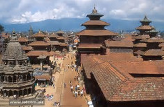 築2千年の仏塔「スワヤンブナート」で知られるネパールのイチオシの人気スポット「カトマンズ」の情報ページです。カトマンズの見どころ、ベストシーズン、アクセスのコツ、合わせて立ち寄りたい名所など観光のポイントから地図、ハイライト動画まで幅広くご案内しています。詳細はこちらからご覧ください。