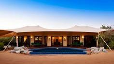 世界最大規模のリゾート観光都市として知られるドバイ首長国・ドバイのイチオシのリゾートホテル「アル・マハ・デザート・リゾート&スパ」の情報ページです。アル・マハ・デザート・リゾート&スパの設備やサービスからアクセスのコツ、周辺の観光のポイント、地図、ハイライト動画まで幅広くご案内しています。詳細はこちらからご覧ください。
