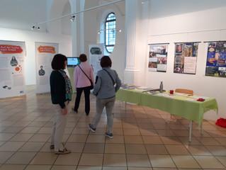 "Ausstellung im Erdinger Frauenkircherl ""Menschen in Bewegung"""