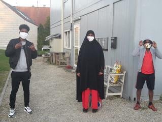 Maskenverteilung an Asylunterkunft Forstern und Hörlkofen