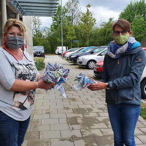 Pflegestern Finsing und Pflege- und Bürgerhaus Aloisium in Schröding erhalten Nase-Mund-Masken