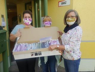 Spenden von Behelfsmasken für Seniorenzentrum Pichlmayr Wartenberg und Stiftung Attl in Wasserburg