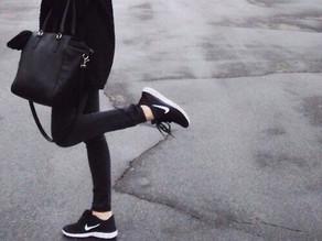 Hva er det med disse sorte Nike-skoene?