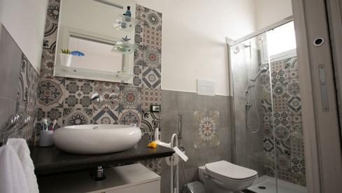 Bagno con doccia U Sule