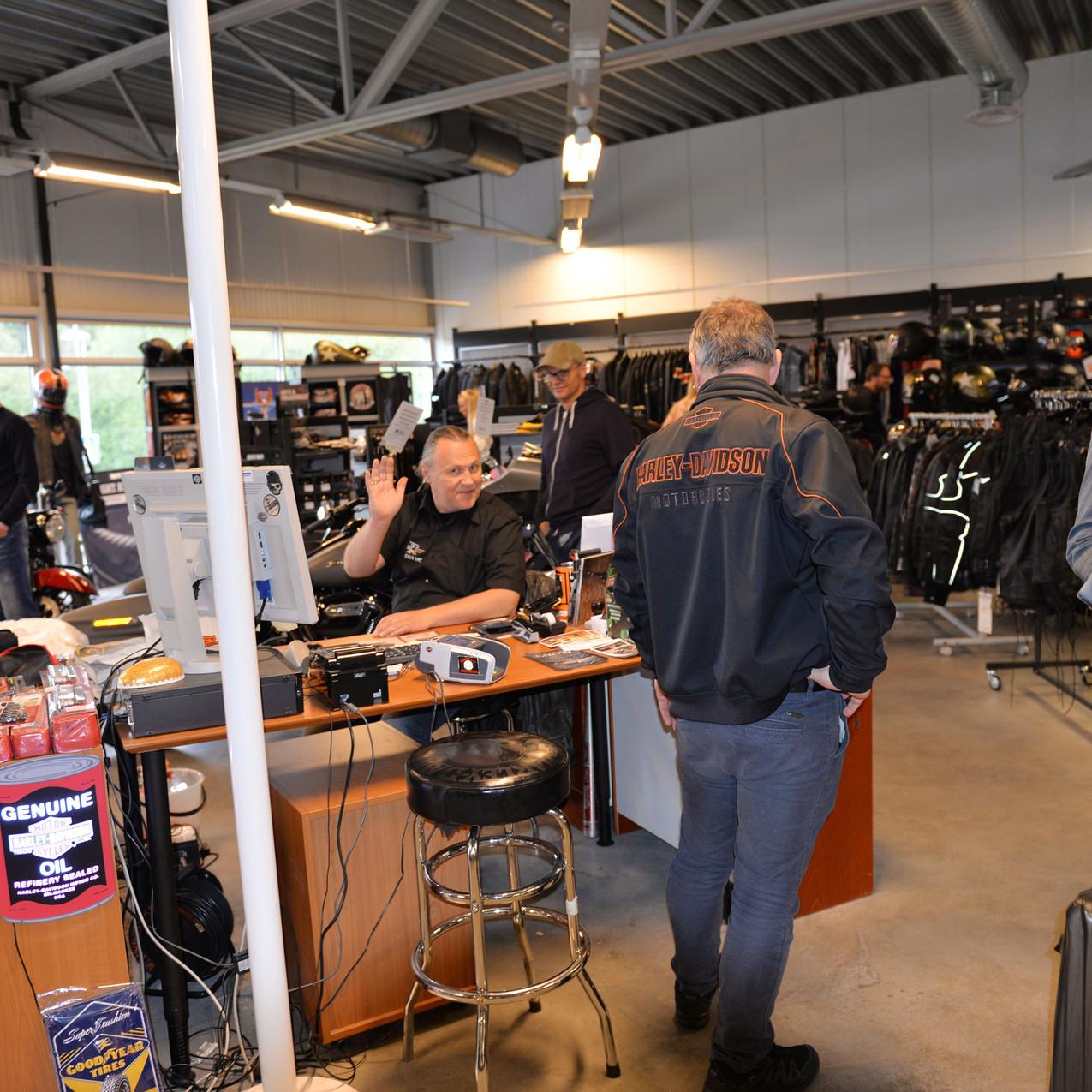 Kenneth Østberg i Harley-Davidson Stavanger var utrolig fornøyd med trøkket de opplevde under årets Open House.