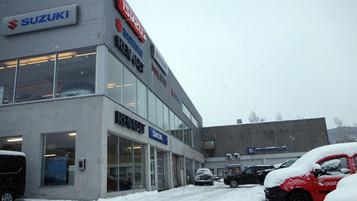 Motorcenteret AS i Asker har flyttet til mer sentrale lokaler i Bærum