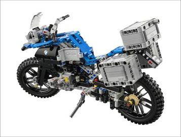 Lego byggesett med BMW R1200GSA!