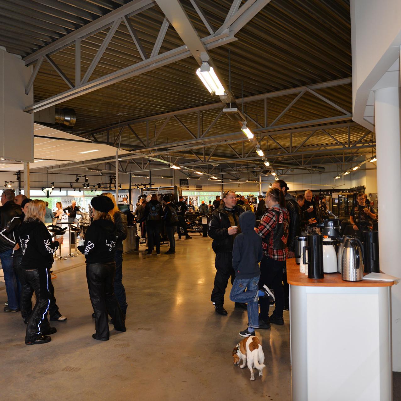MC-interessen er stigende i Rogaland. Det var utrolig mange som kom innom den nye butikken i Sandnes.