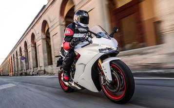 Test av Ducati SuperSport S – ytelse uten nykker!