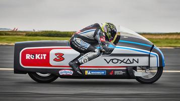 Voxan utvikler morgendagen el-teknologi og har satt 11 fartsrekorder