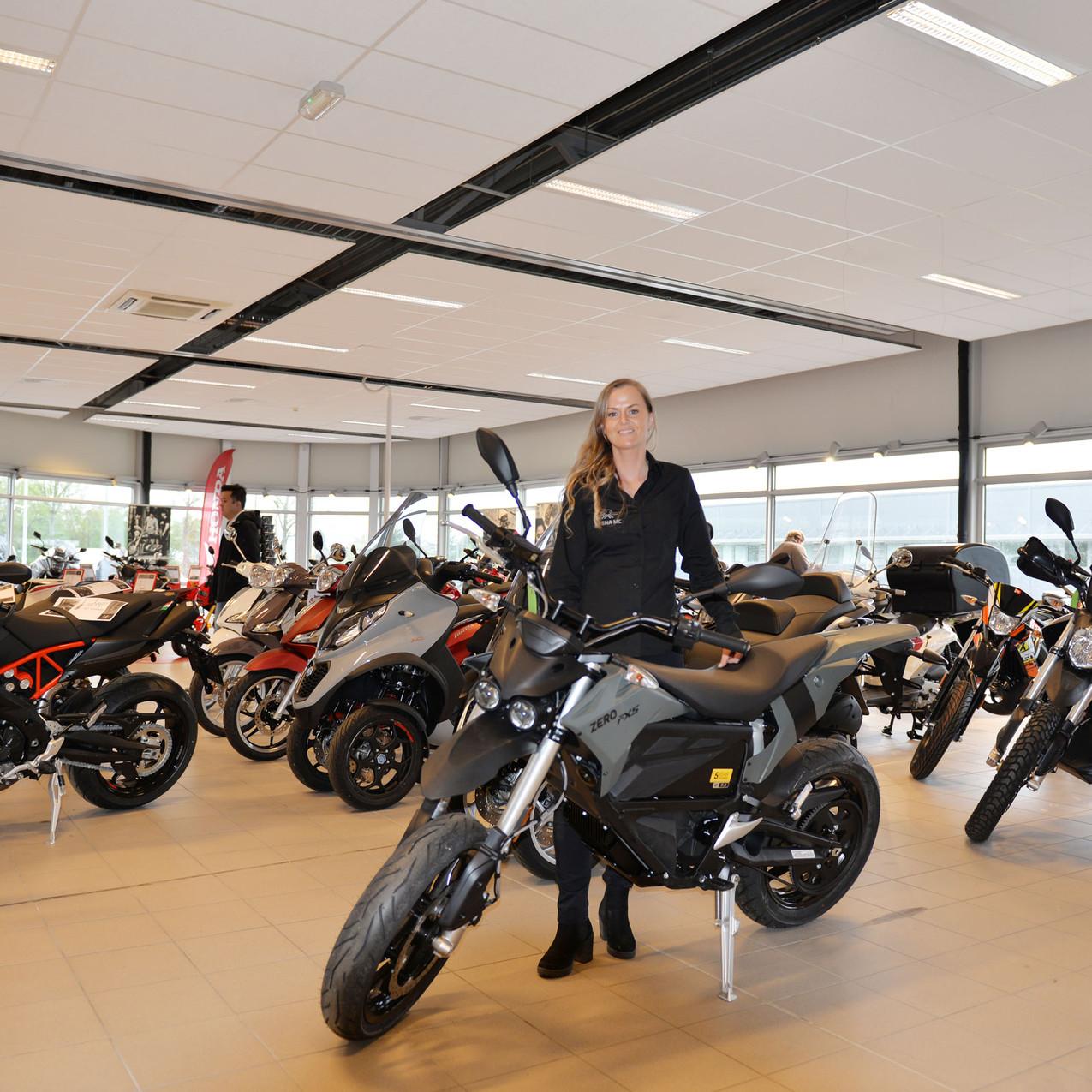 Selger Linn Kant kunne nå vise frem de nye elektriske syklene fra Zero.