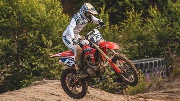 Caroline Pettersen – Motocross mot Korona