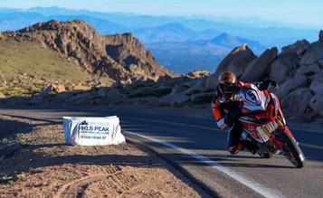 Ducati og Carlin Dunne vant Pikes Peak